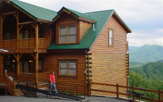 Log Cabin Rental in TN